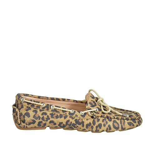 Woman's laced car shoe with removable insole in spotted suede - Available sizes:  33, 34, 42, 43, 45, 46