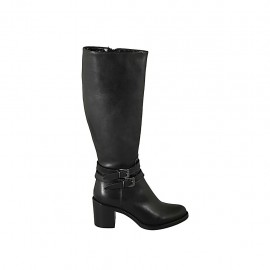 Woman's boot with zipper and buckles in black leather heel 6