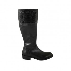 Woman's boot with zipper in black leather and printed leather heel 3