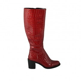 Woman's boot with zipper in red patent leather heel 6