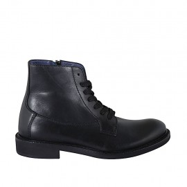Men's laced ankle boot with zipper in black leather