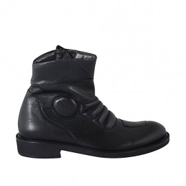 Men's ankle boot with zipper in black leather