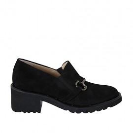 Zapato cerrado para mujer con elasticos, tachuelas y cadena en gamuza negra tacon 5 - Tallas disponibles:  32, 33, 34, 42, 43, 44