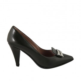Women's pump shoe with accessory in black leather heel 8 - Available sizes:  32, 33, 34, 42, 43, 44