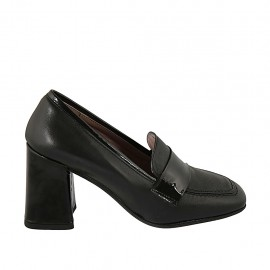 Woman's mocassin in black leather and patent leather heel 8 - Available sizes:  32, 33, 34, 42, 43, 44, 45