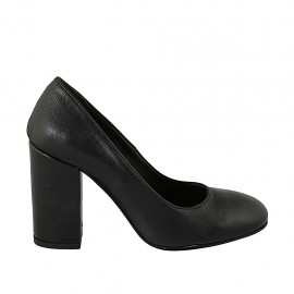 Woman's pump with rounded tip in black leather heel 9 - Available sizes:  31, 32, 33, 34, 42, 43, 44, 45, 46, 47