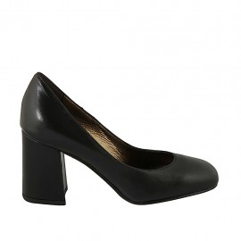 Woman's pump in black leather block heel 7 - Available sizes:  32, 33, 34, 42, 43, 44, 45