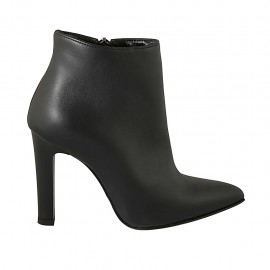 Woman's pointy ankle boot with zipper in black leather heel 10 - Available sizes:  32, 34, 42, 43, 44, 46, 47