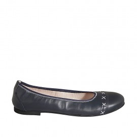 Woman's ballerina shoe in blue leather with white seams heel 1