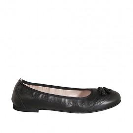 Woman's ballerina shoe with tassels in black leather heel 1