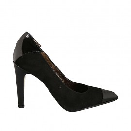 Woman's pump in black suede and patent leather heel 9