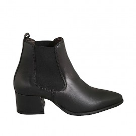 Woman's pointy ankle boot with elastic bands in black leather heel 5 - Available sizes:  33, 34, 42, 43, 44, 45