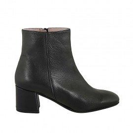 Woman's ankle boot with rounded tip and zipper in black leather heel 5 - Available sizes:  32, 33, 34, 42, 43, 44