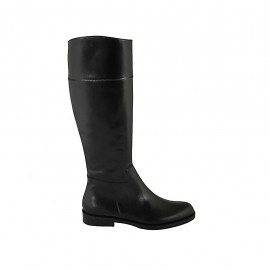 Woman's boot in black leather with zipper heel 2