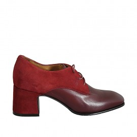 Woman's laced derby shoe in red suede and maroon leather heel 6