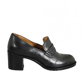 Woman's mocassin in black leather and printed leather heel 6