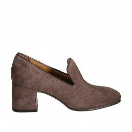 Woman's mocassin in taupe suede heel 6
