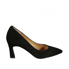 Woman's pointy pump in black suede with flared heel 7
