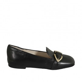 Woman's mocassin with buckle in black leather heel 1