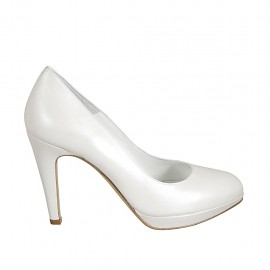 Woman's platform pump in pearled ivory leather heel 9