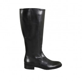 Woman's boot in black-colored leather with zipper heel 3