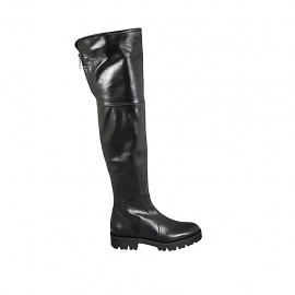 Knee-high woman's boot with zipper in black leather heel 3
