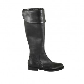 Woman's boot with turnover and zipper in black leather heel 3