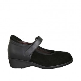Woman's pump with velcro strap and removable insole in black leather and suede heel 3