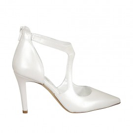 Woman's open shoe in pearled ivory leather with backside zipper heel 9