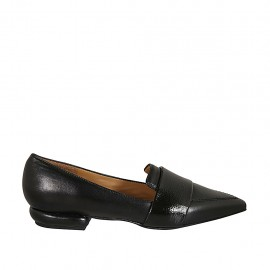 Woman's pointy loafer in black leather and patent leather heel 2