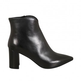 Woman's pointy ankle boot with zipper in black leather heel 7