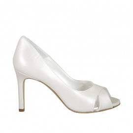 Woman's open toe pump in pearled ivory leather heel 8