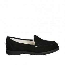 Woman's mocassin in black suede heel 2