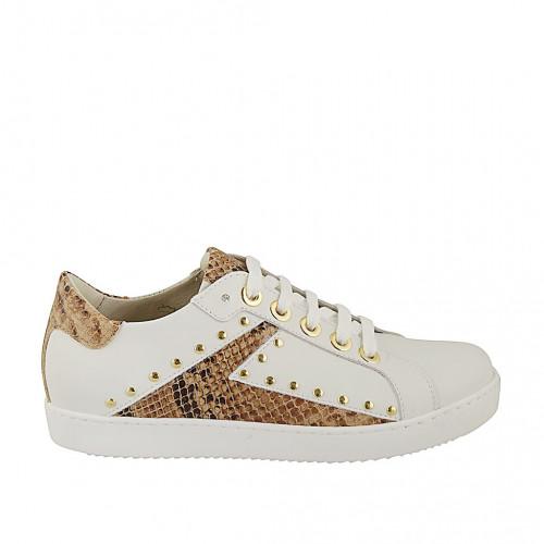 Zapato para mujer con cordones, tachuelas y plantilla extraible en piel blanca y imprimida color cuero cuña 2 - Tallas disponibles:  33, 34, 42, 43, 44, 45