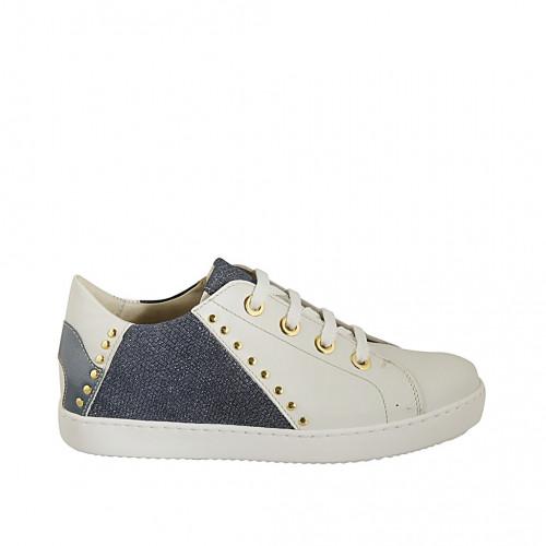 Zapato para mujer con cordones, tachuelas y plantilla extraible en piel blanca, charol y tejido imprimido brillante azul cuña 2 - Tallas disponibles:  33, 34, 42, 43, 44, 45