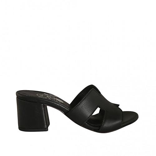 Zapato mule para mujer en piel de color negro tacon 5 - Tallas disponibles:  32, 42, 44, 45