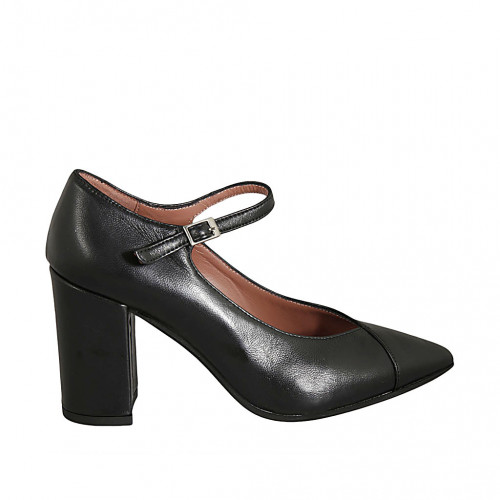 Woman's pointy pump with strap in...