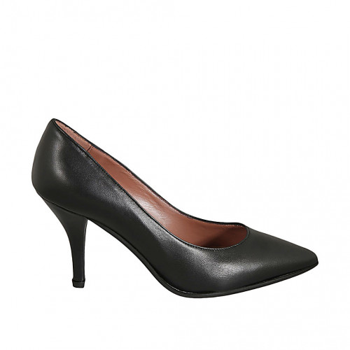 Pointy pump in black leather heel 9