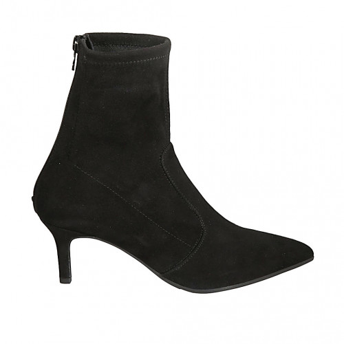 Woman's ankle boot in black elastic...