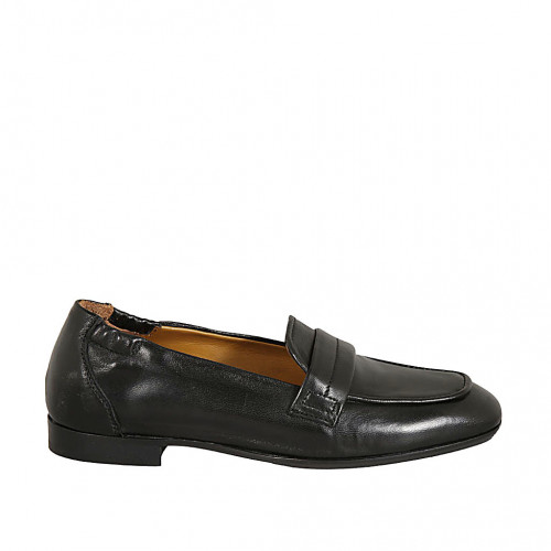Woman's loafer with elastic bands in...